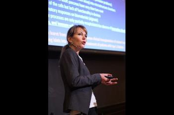 The convergence environment Organ on a chip and nano-devices (CHIP) – the clinical perspectives Dr. Hanne Scholtz, Division of surgery, inflammatory medicine and transplantation, OUS Watch her presentation Photo: UiO:Life Science, Terje Heiestad
