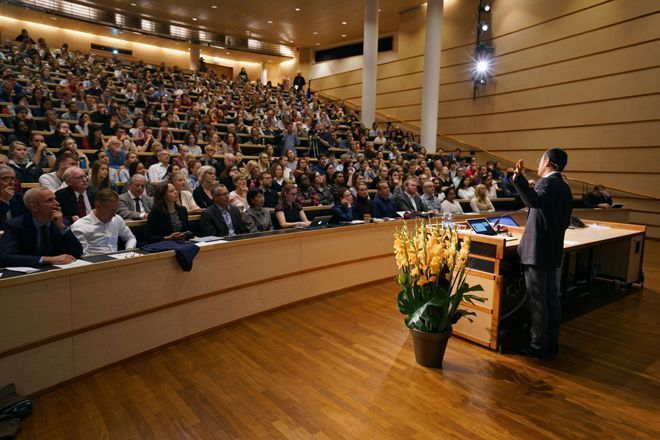 The auditorium was full when Yamanaka gave his talk «A new era of medicine with pluripotent stem cells». Photo: Terje Heiestad/UiO