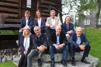 The board of UiO:Life Science has been working on this priority area since 1 June 2015. Back row (from left): Svein Stølen (chair), Julie Sørlie Paus-Knudsen (student representative), Per Morten Sandset (South-Eastern Norway Regional Health Authority) and Alexander Jensenius (the Faculty of Humanities). Front row (from left): Hilde Nebb (deputy chair), Odd Stokke Gabrielsen (proxy representative for Fægri), Eirik Næss-Ulseth (business sector representative) and Knut Fægri (UiO management representative).