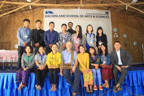 Studenter og professor Myanmar