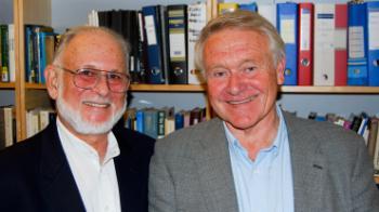 David Orlinsky (t.v.) og Helge Rønnestad, i forbindelse med at Orlinsky ble kreert æresdoktor ved UiO i 2011.