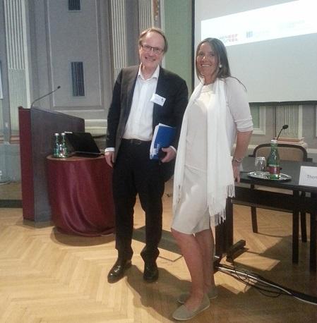 Bilde av redaktørene Dag Michalsen og Ruth Hemstad