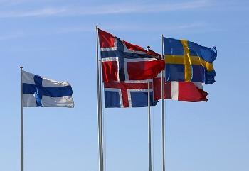 Fotografi av flaggene til de nordiske landene
