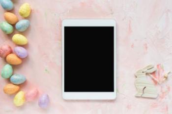 Bildet kan inneholde: rosa, teknologi, elektronisk apparat, rektangel, bilderamme.