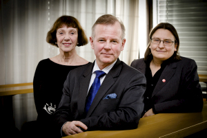 Ole Petter Ottersen (centre), Ruth Vatvedt Fjeld (left) and Ragnhild Hennum (right)
