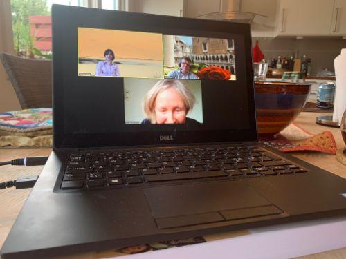 Bildet kan inneholde: laptop, elektronisk apparat, teknologi, datamaskin, netbook.