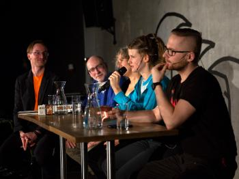 After the music-dance performance, rhythm was discussed by Professor Justin London, RITMO's director Anne Danielsen, Dancer-illustrator Katja Schia and DJ Filip Abramczyk. RITMO's deputy director, Alexander Refsum Jensenius, lead the discussion.