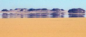 Bildet kan inneholde: Sand, Naturlige omgivelser, Himmel, Ørken, Hav.