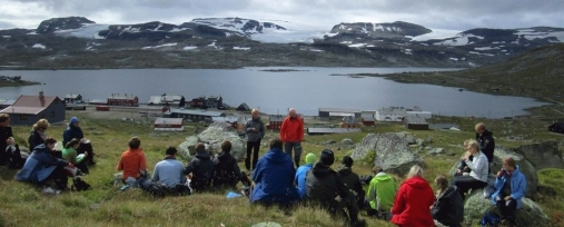Students on excursion to Finse in the course GEO1010 – Physical geography, in the autumn 2014. Photo: GKT/UIO